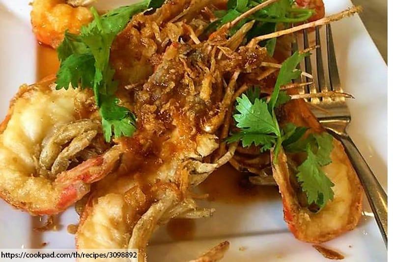 ร้านอาหารไทยในภูเก็ต, กุ้งแม่น้ำ  , กุ้งแม่น้ำทอดซอสกระเทียม