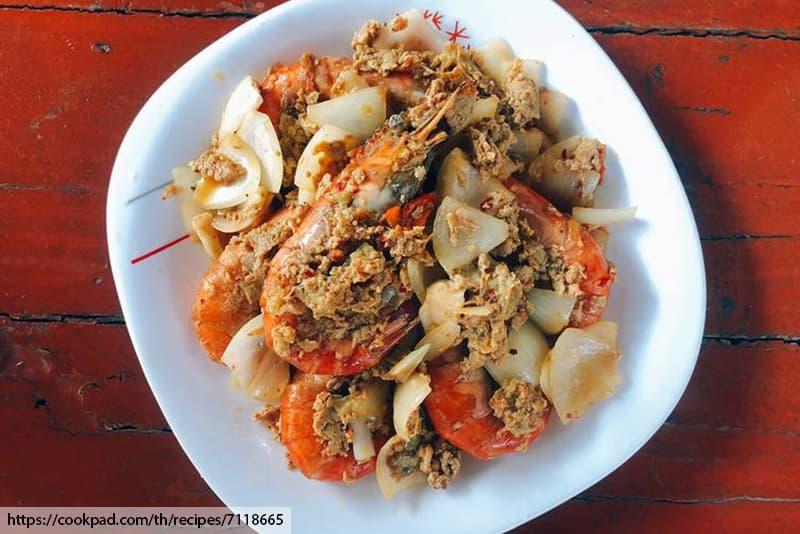 ร้านอาหารไทยในภูเก็ต, กุ้งแม่น้ำ , กุ้งแม่น้ำผัดผงกระหรี่